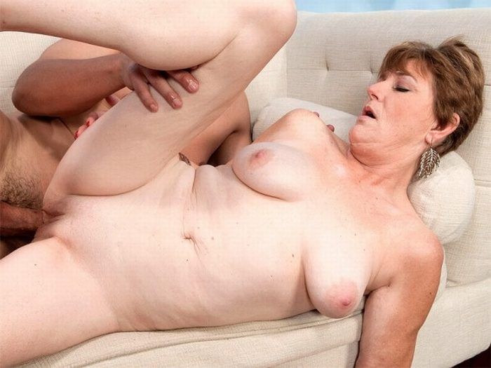 Horny granny over 60 with hot pussy 9