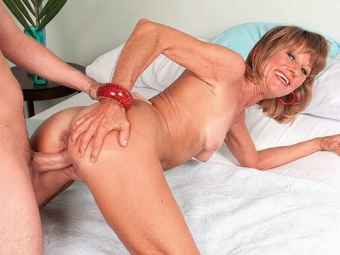 Can Milfs over 40 porn tube pity, that