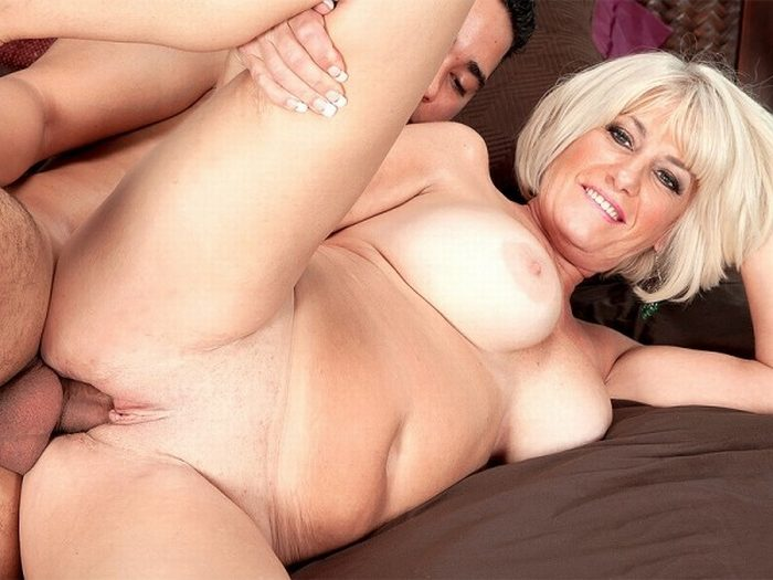 Blonde granny takes his horny cock from behind 1